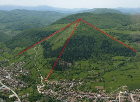 https://ufolove.files.wordpress.com/2013/01/bosnia2bpyramide.jpg?w=300