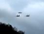 دو جت نظامی درحال اسکورت یک UFO به پایگاه مخفی. تکنولوژی فرازمینی در دستانارتش؟